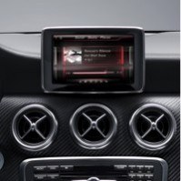 Mercedes A-Klasse 2012 mit iPhone