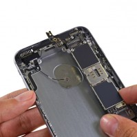 ifixit-hauptplatine-im-iphone-6s-plus