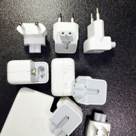 apple-plug-family