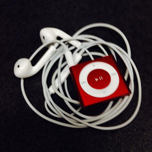 ipod-shuffle-red